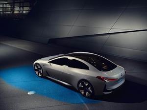 BMW avanza en la electrificación de su gama