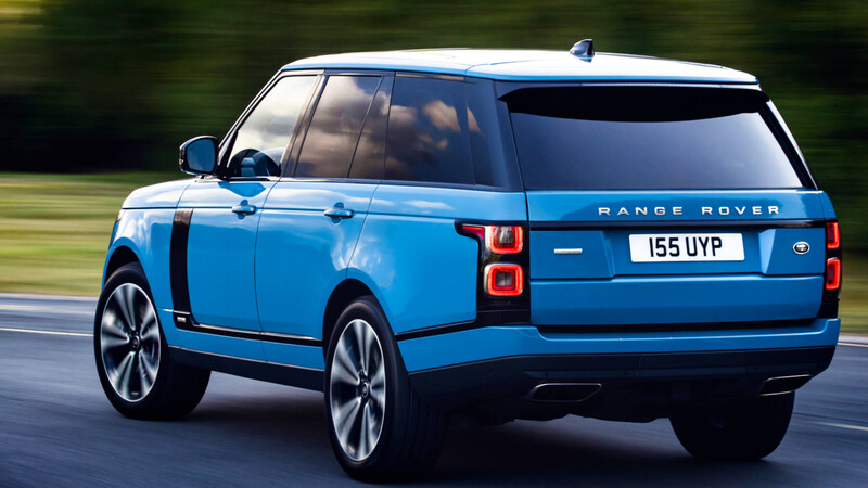 Land Rover actualiza sus buques insignia en Chile