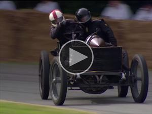 Video: derrapando un Darracq de 1905 en Goodwood