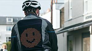 Esta sofisticada chaqueta con Emojis puede salvar la vida de los ciclistas