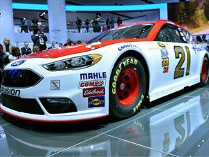 Ford Fusion para NASCAR estrena imagen y motor