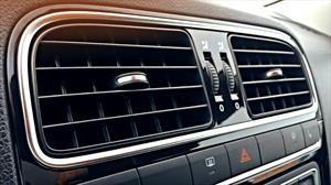 ¿Cómo sacar el mal olor de tu auto?