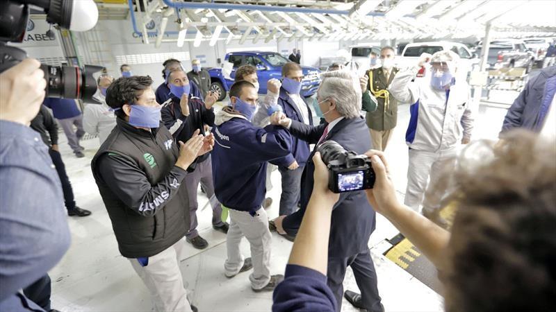 Volkswagen Argentina recibió al presidente Alberto Fernández en Pacheco