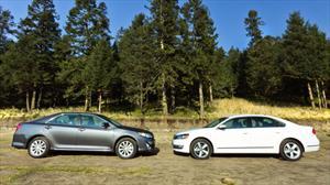 Nuevo Volkswagen Passat V6 2012 vs Toyota Camry V6 2012