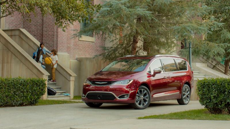 Chrysler Pacifica es premiada por ser el auto ideal para viajar con niños