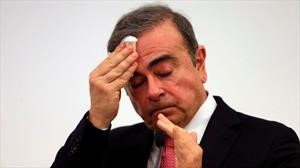 Carlos Ghosn recibe demanda de Nissan