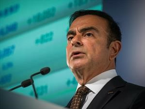 Nissan despide a Carlos Ghosn