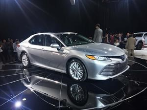 Toyota Camry 2018 debuta