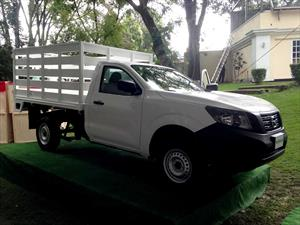 Nissan NP300 2016 llega a México desde $189,600 pesos