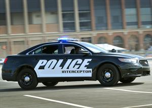 Ford Police Interceptor es el patrullero que acelera más rápido