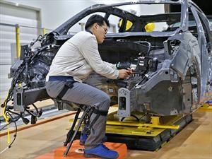 Hyundai promueve exoesqueletos para trabajo pesado en la industria