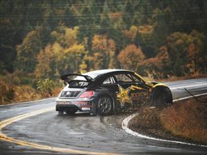 Video: Tanner Foust saca su VW Beetle GRC de paseo