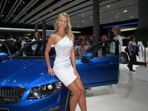 Las chicas del Salón de Frankfurt 2013, porque no solo de autos vive el hombre