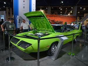 Plymouth Superbird debuta