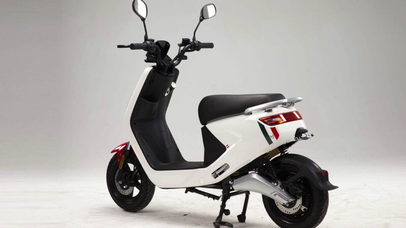 Así son las motos eléctricas de los Carrefour