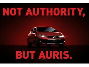 Toyota presenta el comercial del nuevo Auris con modelo en topless