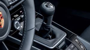 Porsche ya tiene disponible una caja manual para el 911