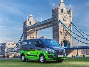 Ford suelta 20 furgones híbridos a trabajar en Londres