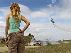 Video: Increíble batalla Gymkhana de Drift entre un auto y un avión