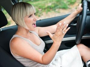 Manejar durante horas pico es más estresante que trabajar