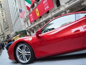 Ferrari colocó 21 vehículos diarios en 2015