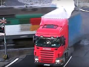Video: Los milagros existen Vol. III Camión Vs Tren