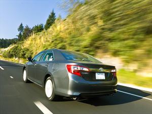 Toyota coloca 10 millones de unidades Camry en Estados Unidos