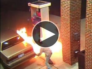Video: Quiere quemar una araña y desata un incendio