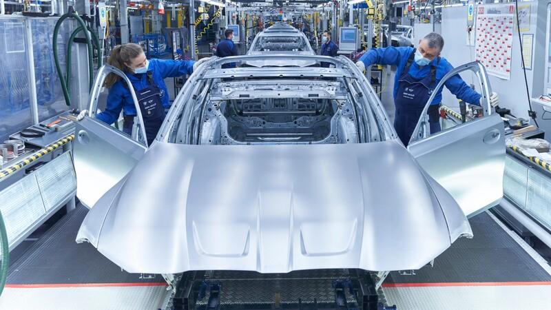 BMW inicia la producción del M3 2021 en Munich, Alemania
