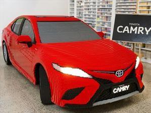 Toyota y Lego fabrican un réplica del Camry en tamaño real