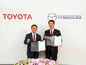 Unidad japonesa: Toyota y Mazda acuerdan la construcción de una fábrica