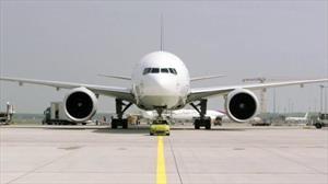 MINI Cooper SE vs. Boeing 777, el desafío eléctrico