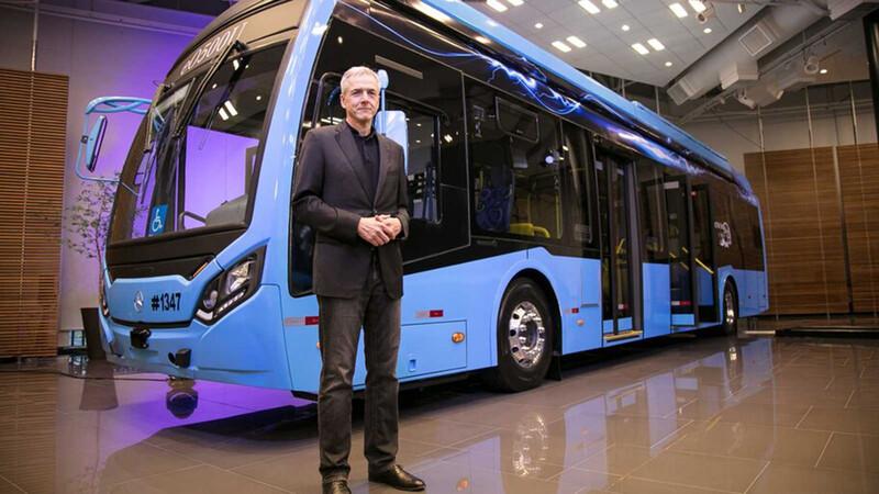 Mercedes-Benz ya fabrica su colectivo eléctrico para el Mercosur