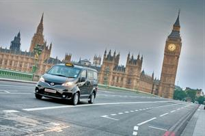Nissan presenta en Londres el taxi del futuro