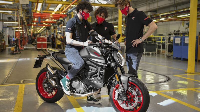 Ducati Monster ya fue bendecida por los pilotos de la marca en el MotoGP