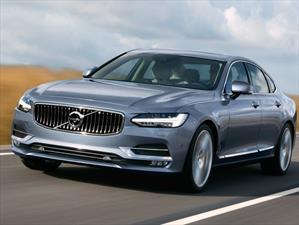 Volvo S90 2017 dispone de sistema conducción semi-autónomo