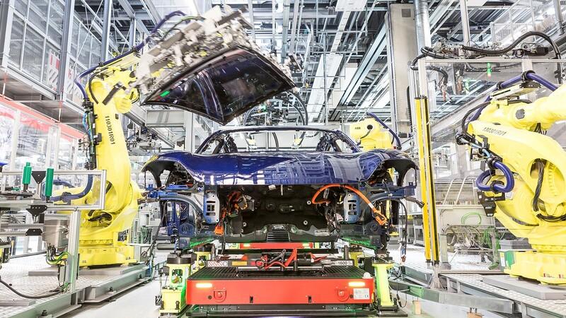 Porsche pide prestados trabajadores a Audi por el aumento en la producción del Taycan
