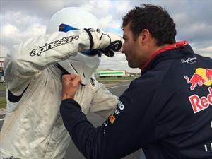 Daniel Ricciardo amo y señor del circuito de Top Gear