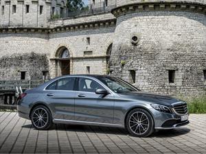 Mercedes-Benz Clase C 2019, mejora su diseño y poder