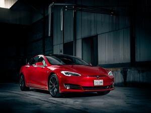 Tesla Model S es elegido como el mejor vehículo de la última década