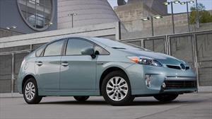 Toyota Prius Plug-in opaca en ventas al Chevrolet Volt y Nissan Leaf en EUA