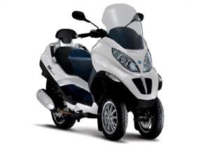 Scooter Piaggio MP4 Hybrid a producción