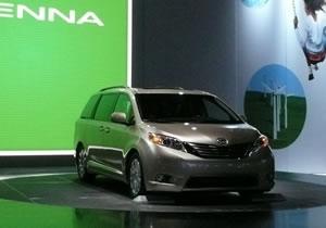 Toyota presenta la minivan Sienna 2011 en el Salón de Los Ángeles 2009