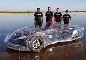 Estudiantes construyen auto eléctrico súper eficiente