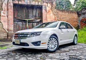 Ford Fusion Hybrid 2011 a prueba