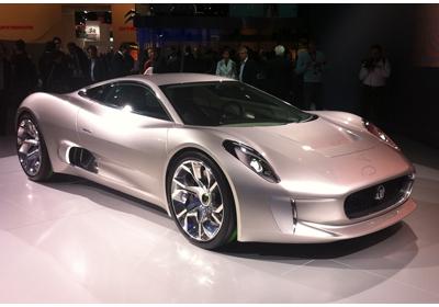 Jaguar C-X75 Concept debuta en París 2010