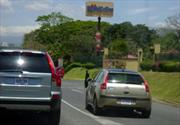 Medidas de seguridad al momento de rebasar un auto