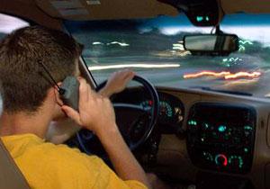 Estudian bloquear señal de celulares en autos