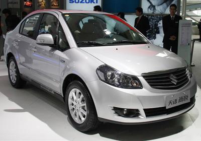 Suzuki SX4 Sedán 2012: Primeras imágenes