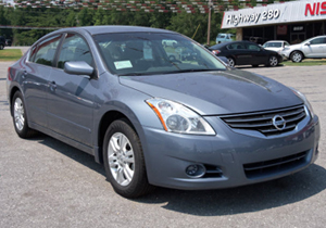 A revisión 20,000 Nissan Altima en EUA